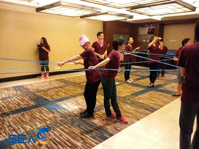 tro-choi-team-building-trong-nha-la-gi