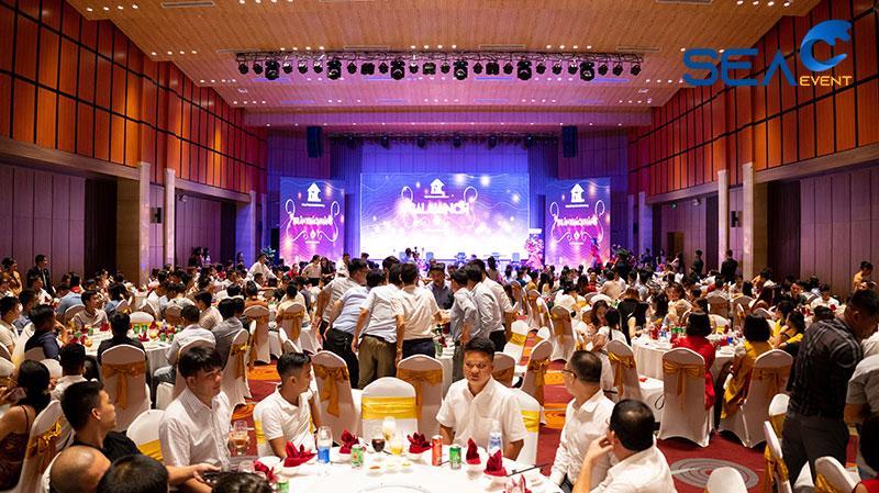 dem-gala-dinner-khai-truong-fullhouse-da-nang
