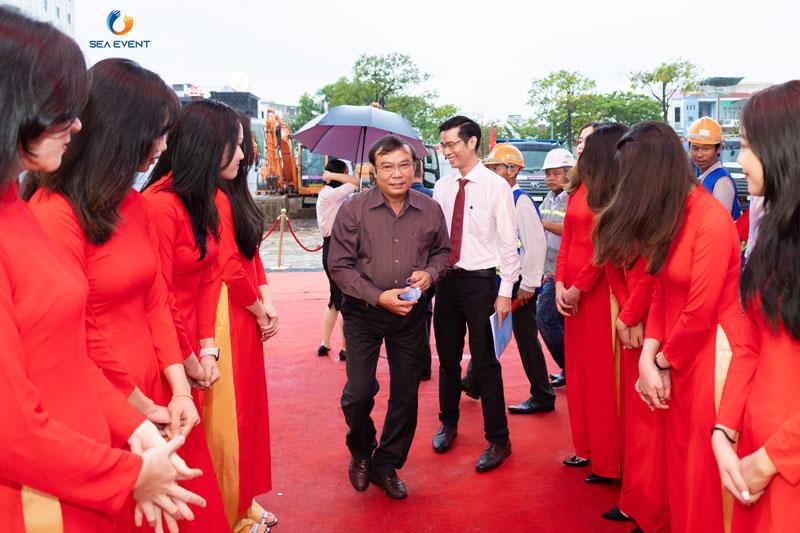 To-Chuc-Le-Khoi-Cong-Vuon-Tuong-Apec-Mo-Rong 13