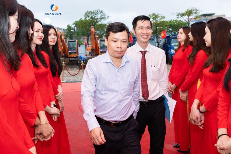 To-Chuc-Le-Khoi-Cong-Vuon-Tuong-Apec-Mo-Rong 17