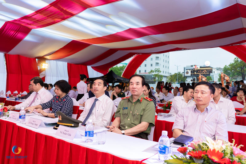 To-Chuc-Le-Khoi-Cong-Vuon-Tuong-Apec-Mo-Rong 27