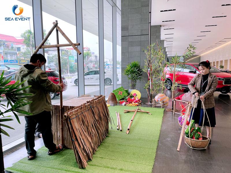 Trang-Tri-Tieu-Canh-Tet-Tai-Toyota-Okayama-Pham-Hung 3