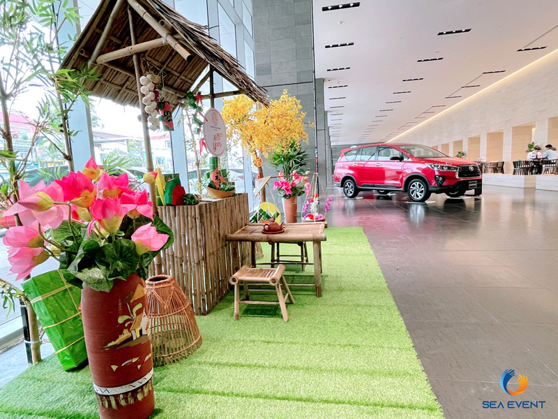 Trang-Tri-Tieu-Canh-Tet-Tai-Toyota-Okayama-Pham-Hung 8