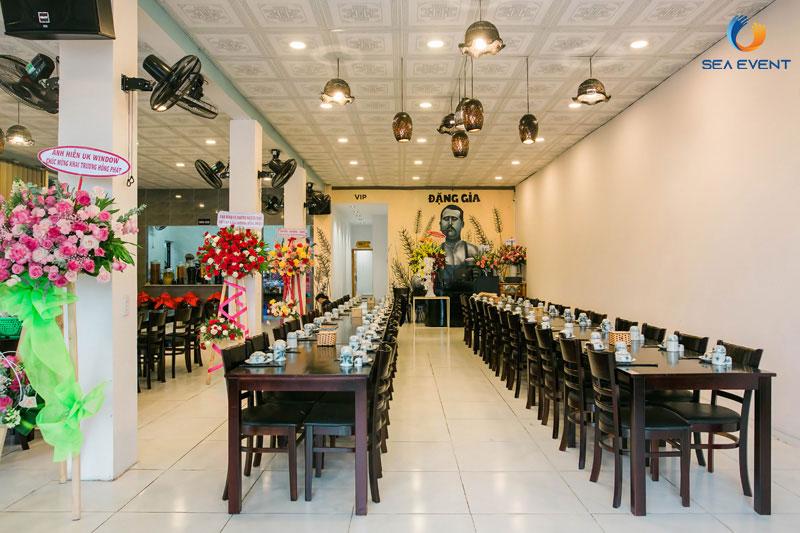 Khai-Truong-Nha-Hang-Dang-Gia-555-Nguyen-Tat-Thanh 1