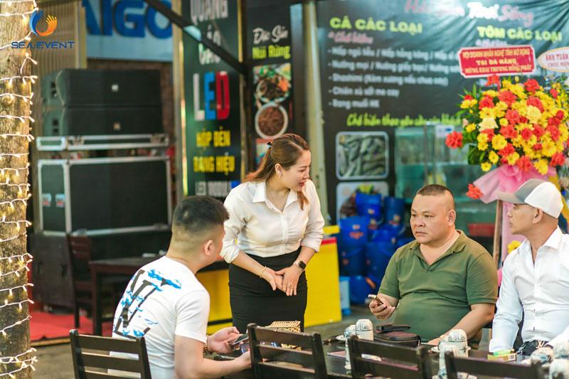 Khai-Truong-Nha-Hang-Dang-Gia-555-Nguyen-Tat-Thanh 19