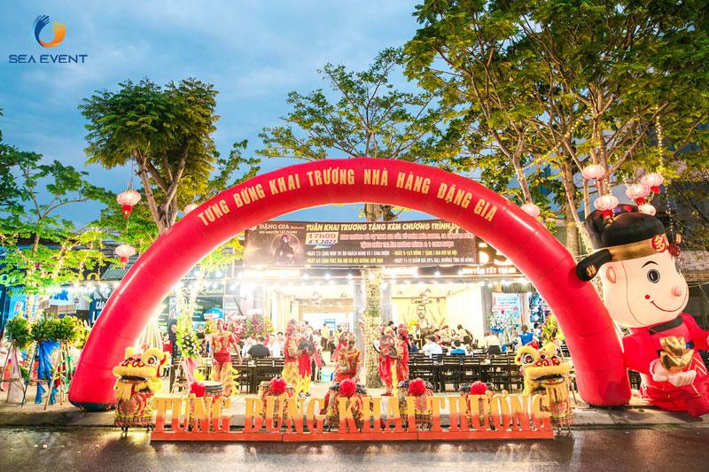 Khai-Truong-Nha-Hang-Dang-Gia-555-Nguyen-Tat-Thanh 23