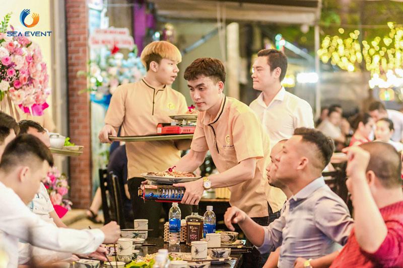 Khai-Truong-Nha-Hang-Dang-Gia-555-Nguyen-Tat-Thanh 24