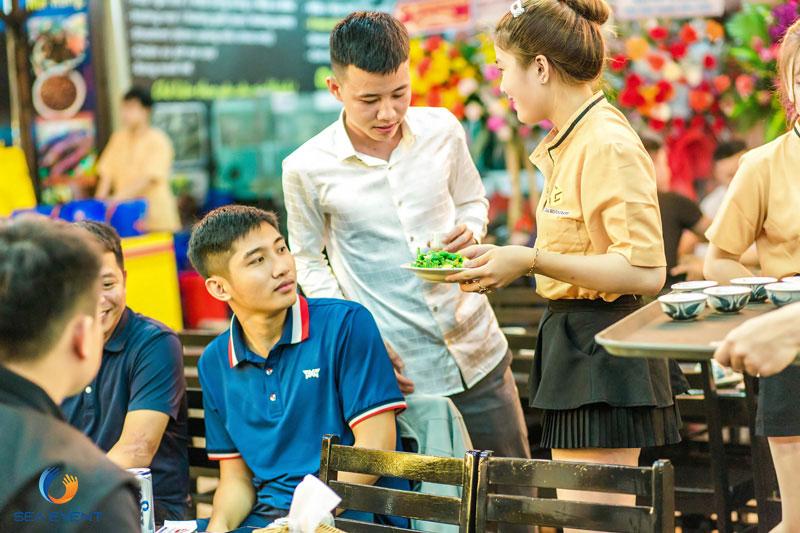 Khai-Truong-Nha-Hang-Dang-Gia-555-Nguyen-Tat-Thanh 35