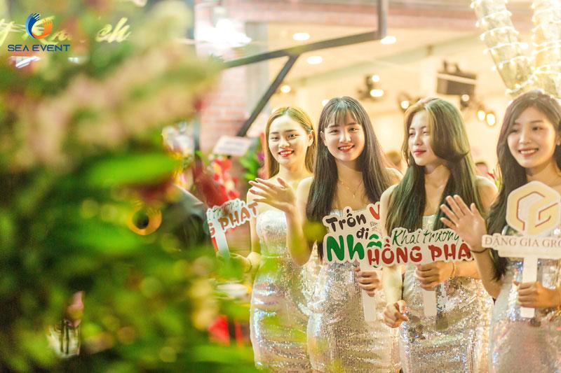 Khai-Truong-Nha-Hang-Dang-Gia-555-Nguyen-Tat-Thanh 37