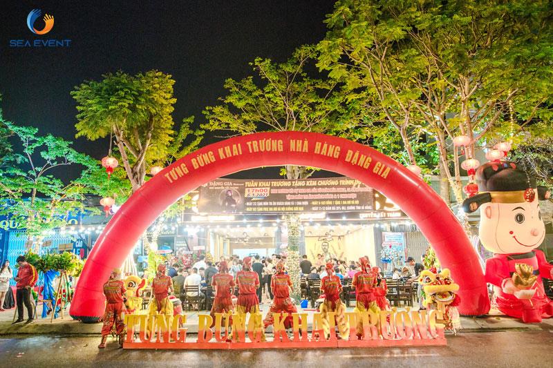 Khai-Truong-Nha-Hang-Dang-Gia-555-Nguyen-Tat-Thanh 38
