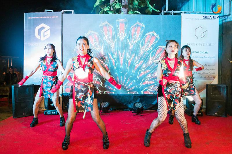 Khai-Truong-Nha-Hang-Dang-Gia-555-Nguyen-Tat-Thanh 46