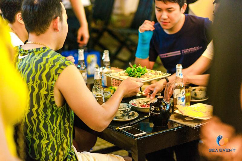 Khai-Truong-Nha-Hang-Dang-Gia-555-Nguyen-Tat-Thanh 59