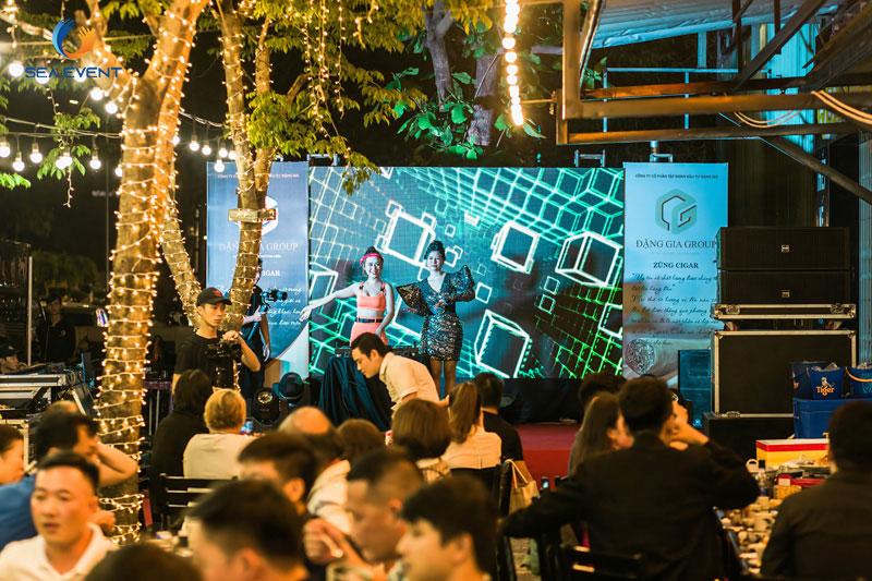 Khai-Truong-Nha-Hang-Dang-Gia-555-Nguyen-Tat-Thanh 65