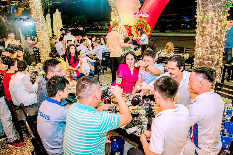 Khai-Truong-Nha-Hang-Dang-Gia-555-Nguyen-Tat-Thanh 70