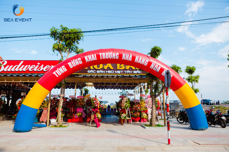 to-chuc-khai-truong-nha-hang-hoa-ban-sea-event